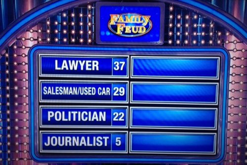 """[Screenshot from the """"Family Feud"""" that aired on January 20, 2016. Via @nicholaspersac.]"""