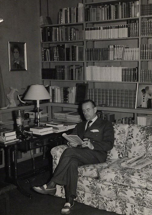Mann at work in his Pacific Palisades study. Mann at work in his Pacific Palisades study, via the Literaturarchiv und Bibliothek in Munich..