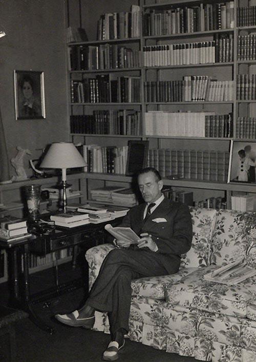 Mann at work in his Pacific Palisades study. Mann at work in his Pacific Palisades study, via the Literaturarchiv und Bibliothek in Munich..