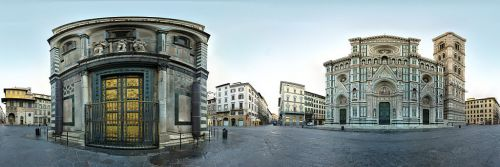A 360-degree panoramic of the Piazza del Duomo, via Wikipedia.